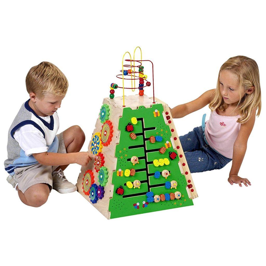 Игрушки для мальчиков от года своими руками